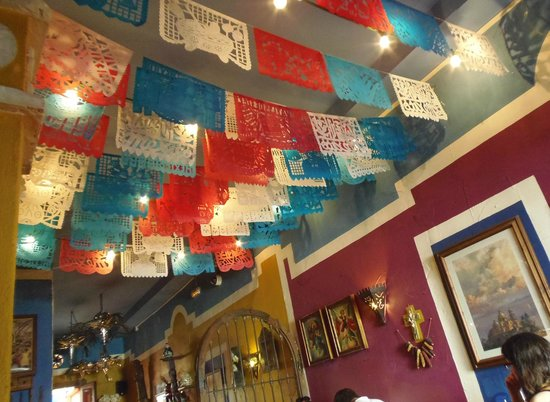 Cantina Machito : Interior decoration ceiling and walls