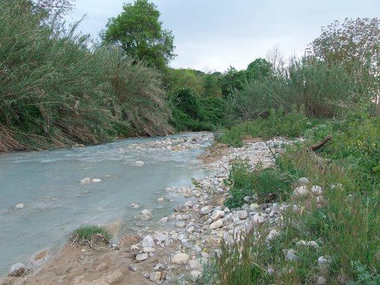 Agriturismo Le Cascatelle: il ruscello