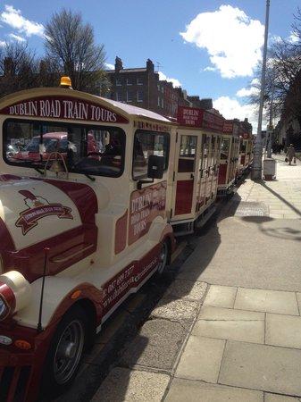 Dublin Road Train Tours: Awaiting departure !!