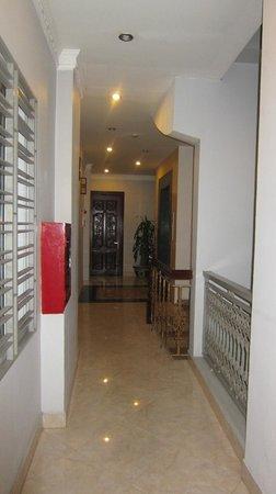 Hanoi City Palace Hotel: hallway