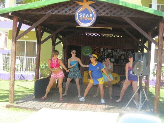 IBEROSTAR Taínos: dancing lessons