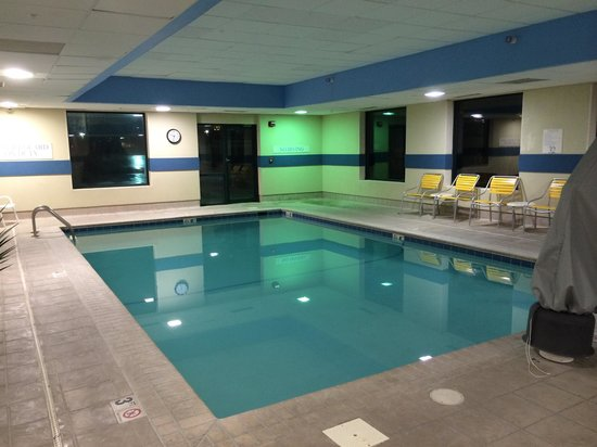 Fairfield Inn & Suites Des Moines West: Well maintained pool
