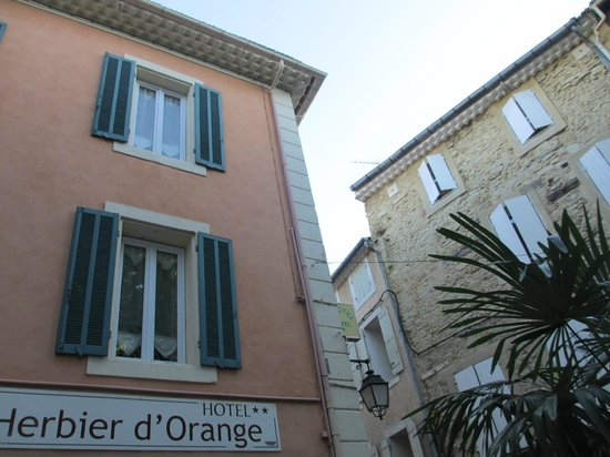 Hotel L'Herbier d Orange : View from the outside