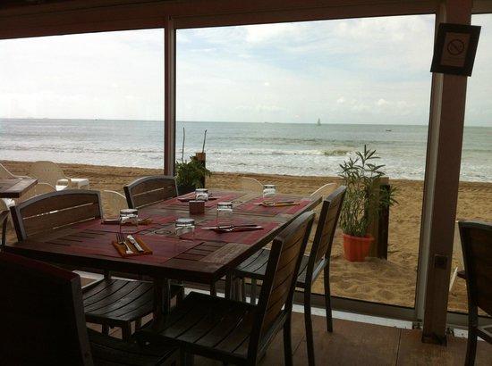 la plage : depuis la terrasse en intérieur