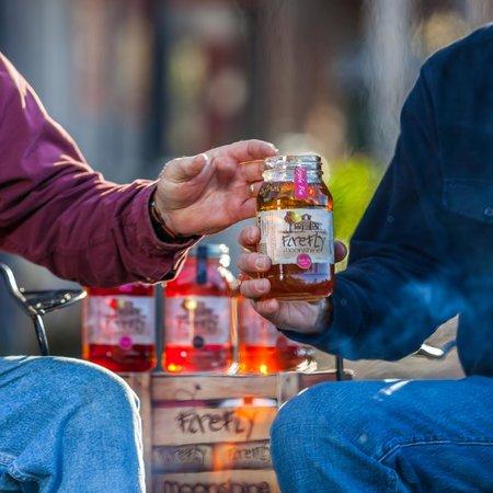 Firefly Distillery: Pass the jar