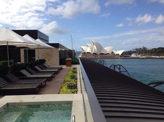 Park Hyatt Sydney: View from the top floor swimming pool