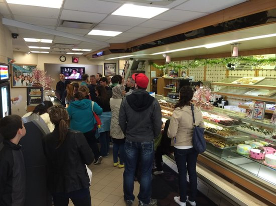 Carlo's Bakery : interior chaos