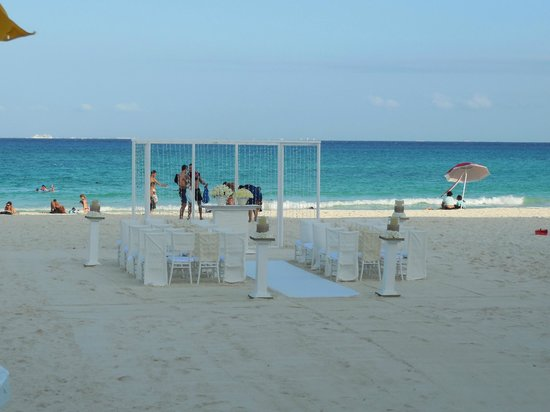 Playacar Palace : My sister-in-law's beach side wedding ceremony layout