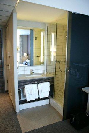 acom Hotel Nürnberg: Bad