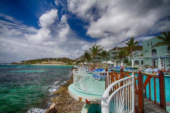 Oyster Bay Beach Resort: View from the Pool