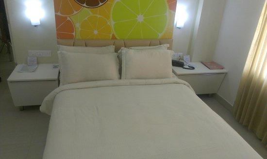 Hotel Millennium Continental: Bedroom