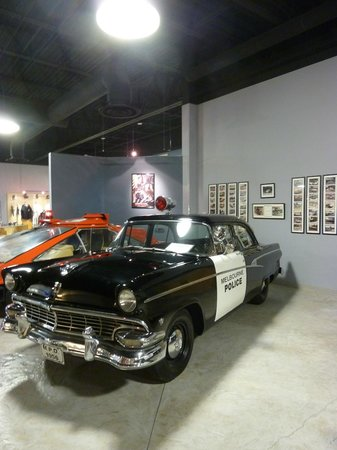 American Police Hall of Fame : car of the 50'