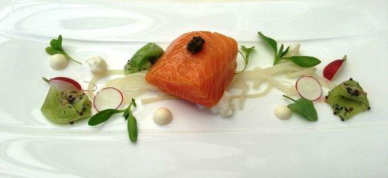 Belmond Le Manoir aux Quat'Saisons : Amazing salmon