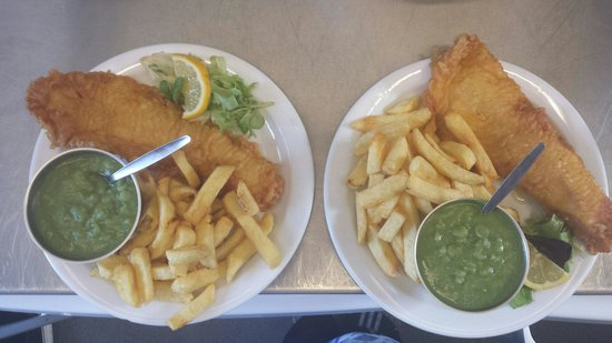 Fort Cafe: Small fish and chips !!!