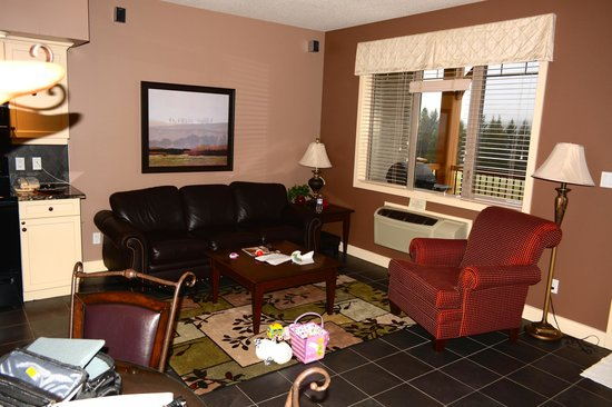 Bighorn Meadows Resort: livingroom