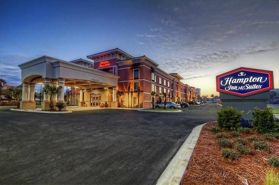 Hampton Inn & Suites Destin: Front Entrance