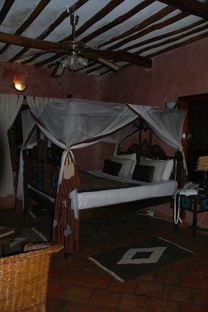 The Sands at Nomad: Кровать с пологом в номере