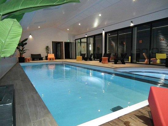 La Chaize : La piscine/spa