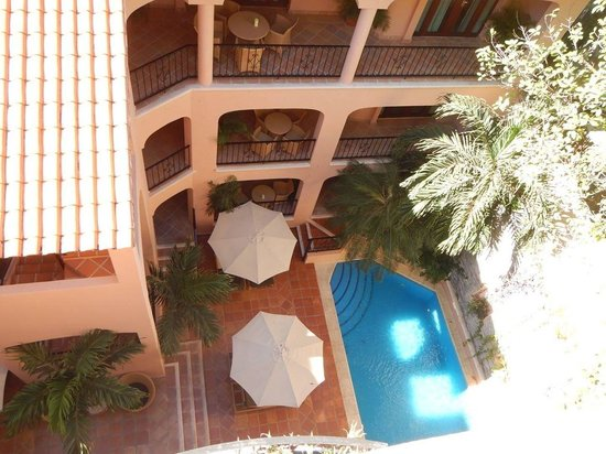 Acanto Boutique Hotel and Condominiums Playa del Carmen Mexico: View of pool from interior balcony