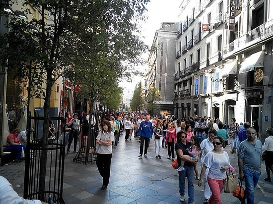 Calle arenal picture of petit palace puerta del sol for Hotel arenal madrid