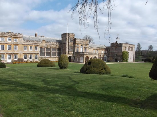 The Lordleaze Hotel: Forde Abbey, nearby attraction.