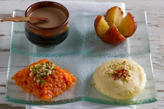 Gaylord Restaurant : Dessert platter with Chai shot