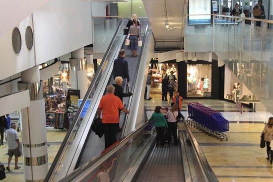 Porto Pi Centro Comercial: Alles was man (nicht) braucht