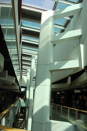 Centro Comercial Porto Pi: Modern und luftig