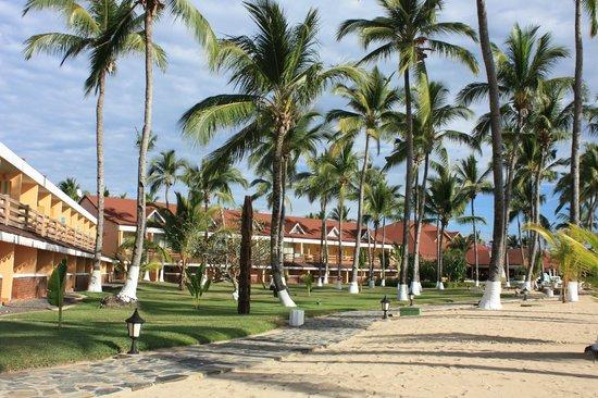 Andilana Beach Resort: l'esterno delle camere