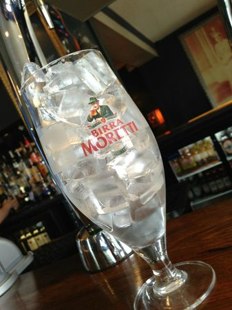 The Pub and Kitchen : ice cube competition