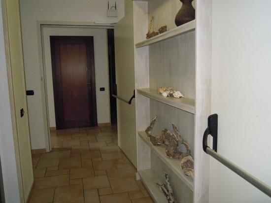 Hotel e Residence Villa Del Parco: particolare corridoio 1° piano