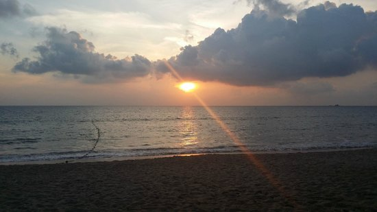 Movenpick Resort Bangtao Beach Phuket: amazing sunsets