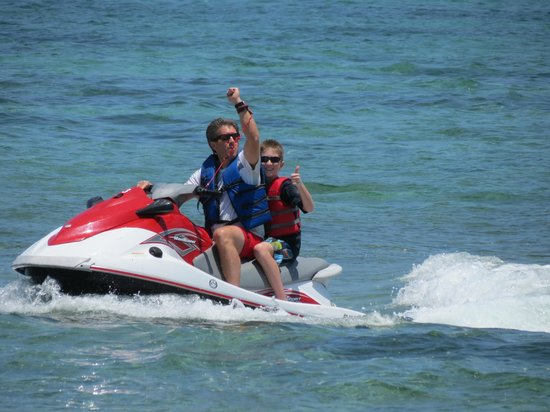 White Sand Water Sports : Headed out to sea!