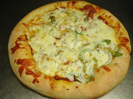Duneland Pizza: A deep pan pizza