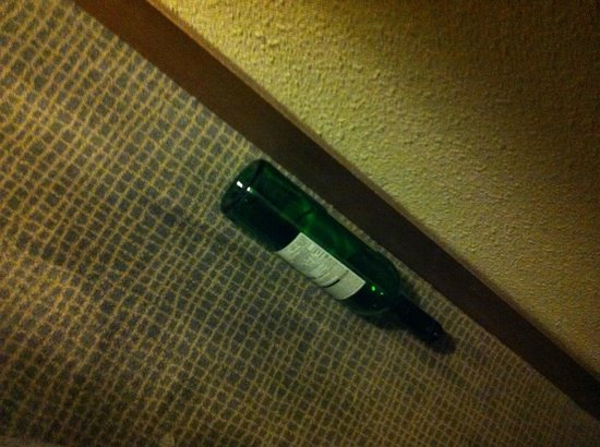 Novotel Leeds Centre : Empty wine bottle (not mine!) found in room.