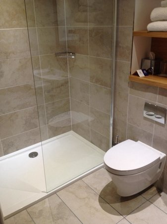 Kingsmills Hotel: New bathroom