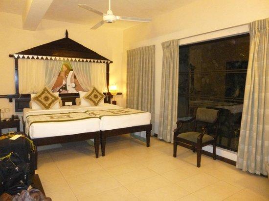 Randholee Resort & Spa: La chambre sans balcon et sans vue, pourtant en façade