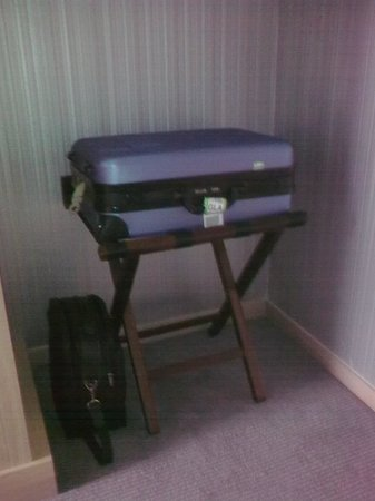 Radisson Blu Hotel, Glasgow: Practical solutions for luggage