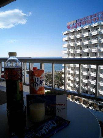 Bajondillo Apartments: dal balcone.......