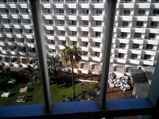 Bajondillo Apartments: vista