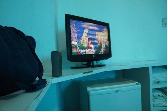 Bahia Sol e Mar : Durante os 5 dias, TV cheia de chuvisco em todos os canais, móveis lascados.