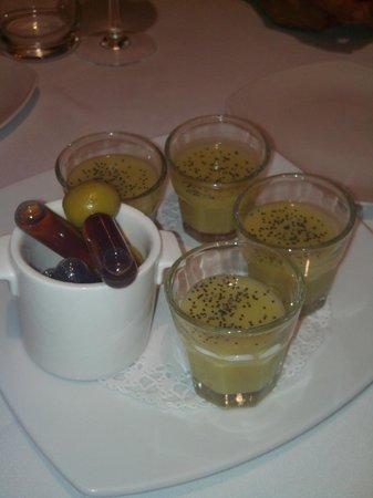 El Celler Dels Joglars: Aperitiu de vermut amb crema d'esparrecs