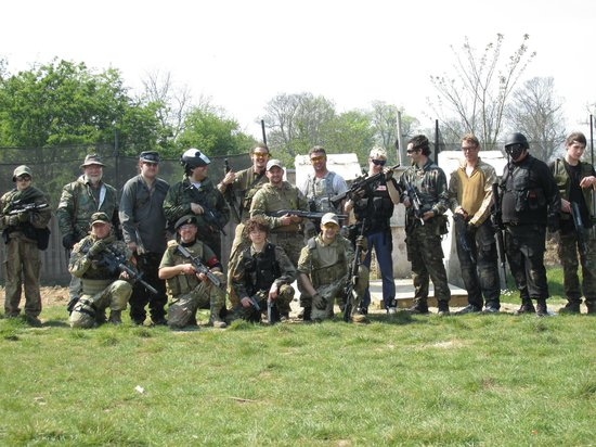 Quex Park Paintball: The gang