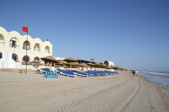 SENTIDO Djerba Beach : la plage et ses transats