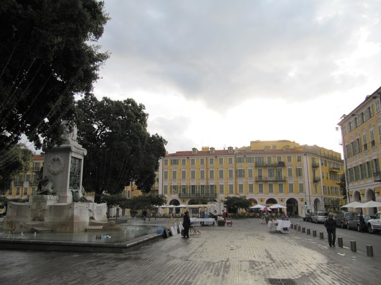 Place Garibaldi: площадь