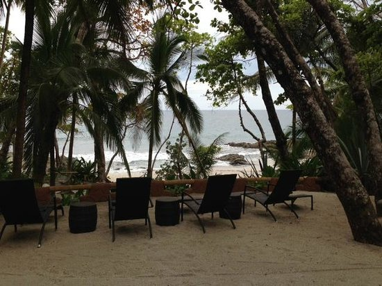 Ylang Ylang Beach Resort: outside our door