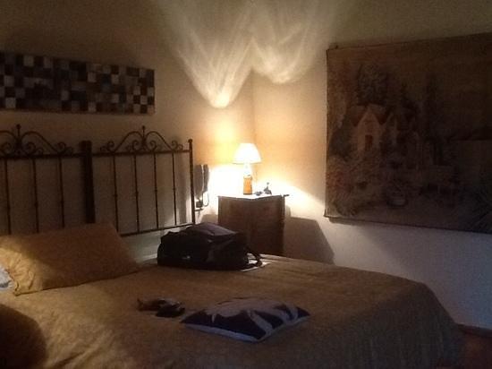 Sulle Orme di Dante Agriturismo: kamer op de eerste verdieping.