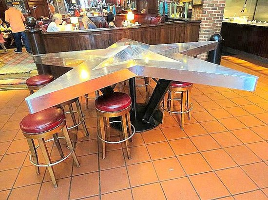 Mike's American Grill : unique table right inside the door