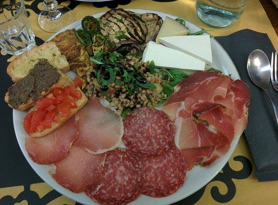 I Ghibellini: Piatto tipico regionale. Ottimo e abbondante.