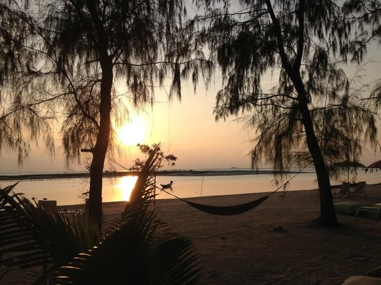 Angkana Hotel Bungalows: Sunset